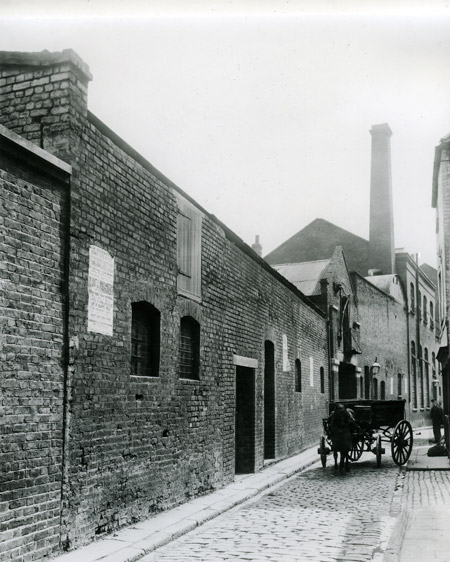 A view of George Yard, now Gunthorpe Street, in 1888