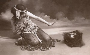 Maude Allan performing her celebrated Dance of the Seven Veils