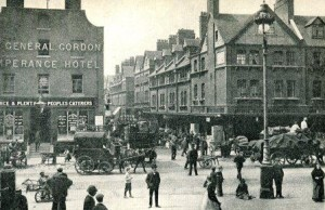 A view of Brushfield Street in 1900