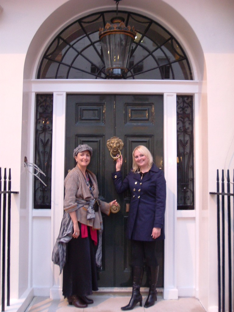 Lindsay Siviter and Nicola, who is a descendent of Sir William Gull outside his former home.