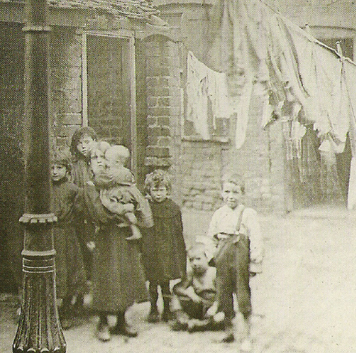 A group of East End children.