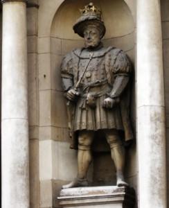 The statue of King Henry V111.