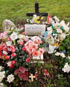 A photograph of the grave of Mary Kelly.