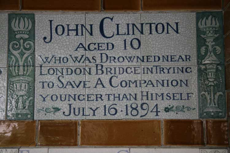 The plaque rememebring the boy hero John Clinton.
